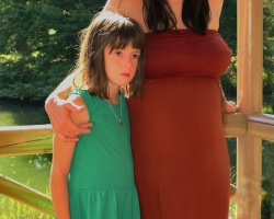 Noemi-schwanger im Ballypark_10